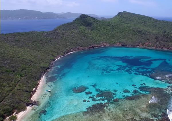 isle a quatre grenadines island